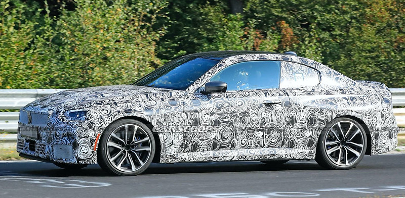 2022-BMW-2-Series-Coupe-spy-shots-3