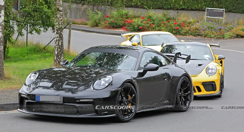 Porsche-911-GT3-Spy-Shots-1