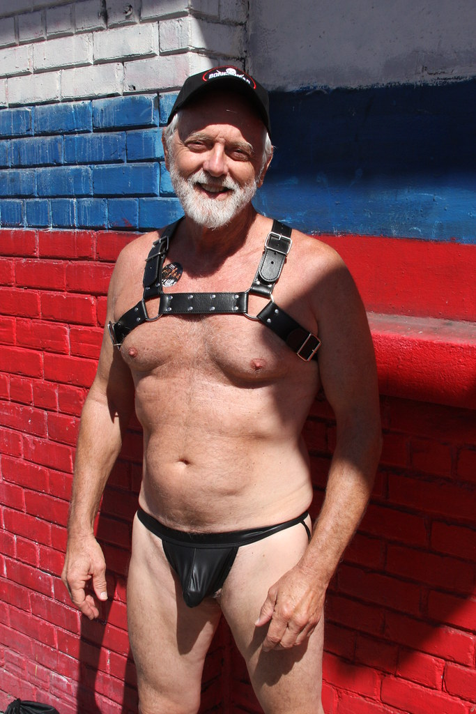 HELLA HUNKY HAIRY DADDY ! ~ FOLSOM STREET FAIR 2017 ! ( safe photo )