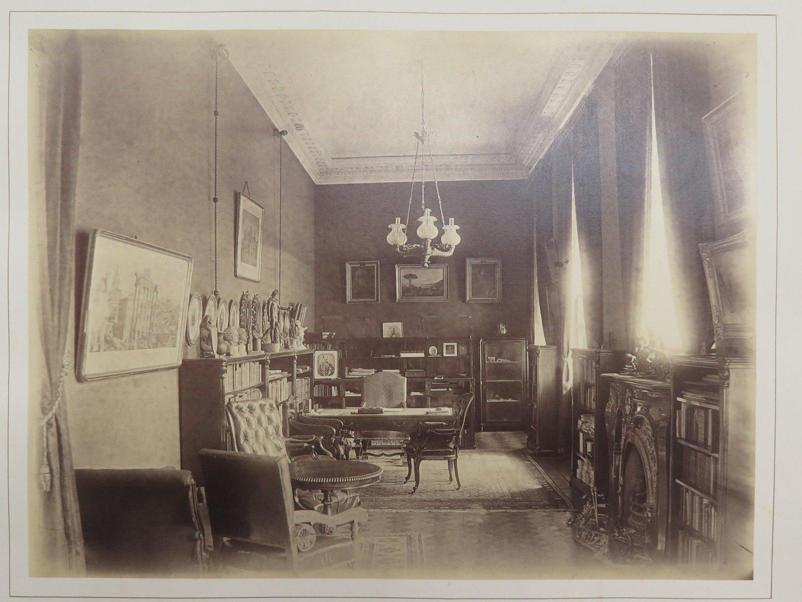 Строгановский дворец. Большой кабинет графа С.Г.Строганова