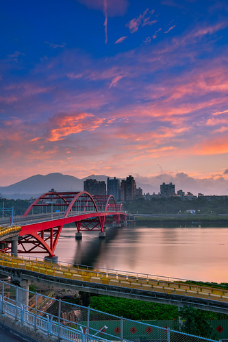 taiwan newtaipeicity balidistrict danshuiriver guandubridge sunrise sky outdoors 台灣 新北市 八里區 關渡橋 晨曦 日出 晨彩 淡水河 火燒雲