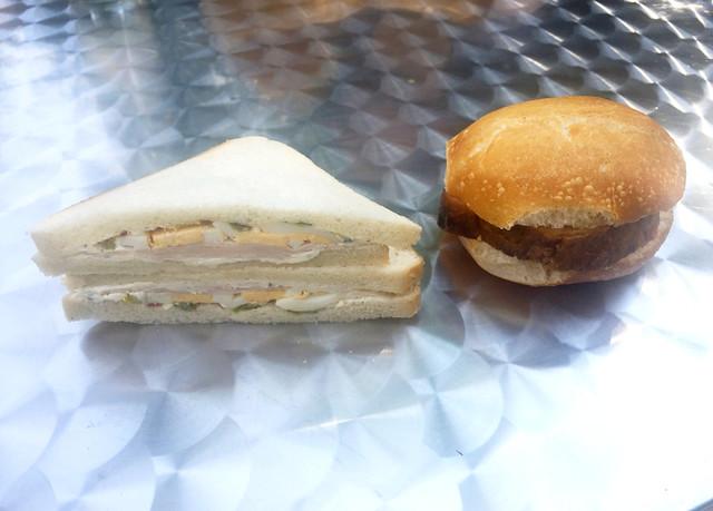 Egg turkey sandwich & meatloaf bun / Eier-Puten-Sandwich & Leberkässemmel