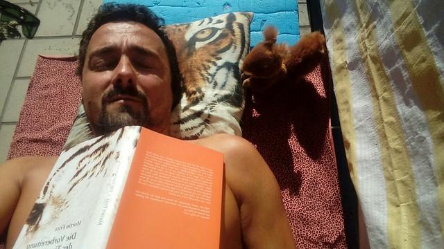 OUT NOW! Die Vorbereitung der Tiere: http://editionlaurin.at/buecher/9783902866929.htm  #DVDT