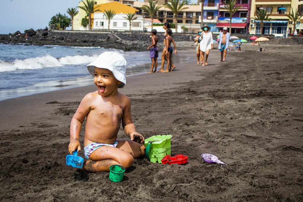 Playa La Calera en verano
