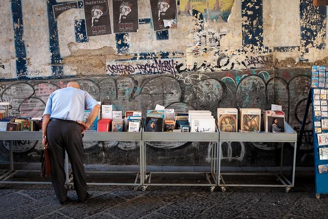 La bancarella dei libri usati