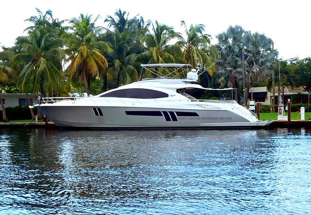 Lazzara Motor Yacht. Ft Lauderdale.