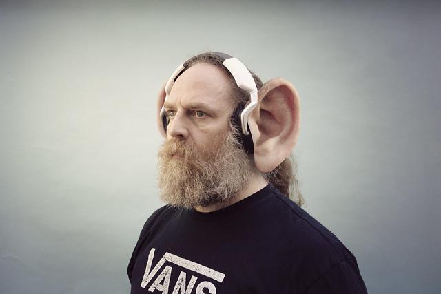 260/366 - earphones