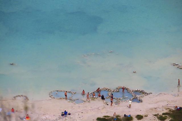 Lago di Venere Pantelleria🇮🇹. Bagnanti - bathers.