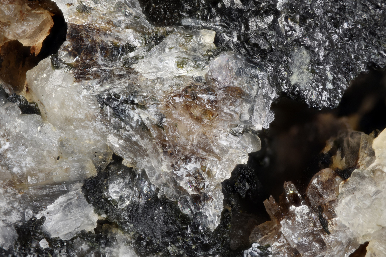 片山石 / Katayamalite