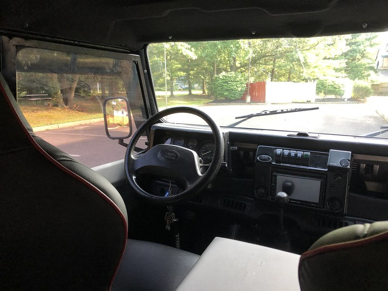 Land-Rover-Defender-17