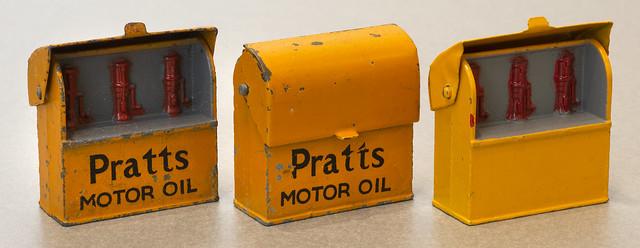 Dinky Toys No. 49e Motor Oil Bins