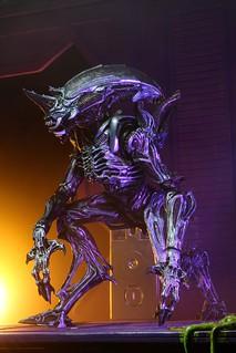 NECA「犀牛異形(Rhino Alien)Version 2」10吋可動作品