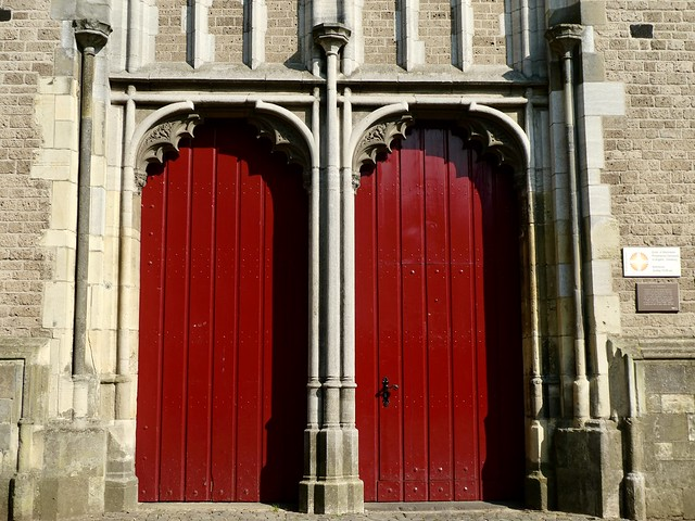 Two red doors (TDD)