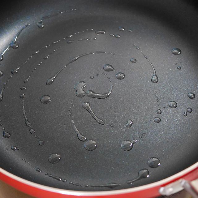 日清オイリオ お好み焼き たこ焼き 油 容器 キャップが便利 汚れない 垂れない 漏れない