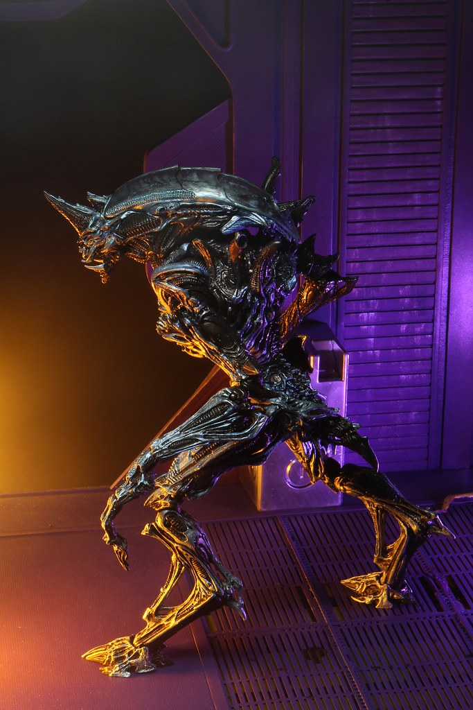 NECA「犀牛異形(Rhino Alien)Version 2」10吋可動作品