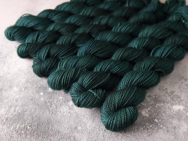 Favourite Sock Minis – pure Merino wool superwash 4 ply / fingering hand dyed yarn 20g miniskeins – 'Spirulina'