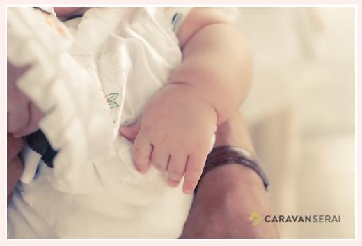 お宮参りのロケーション撮影 赤ちゃんの手