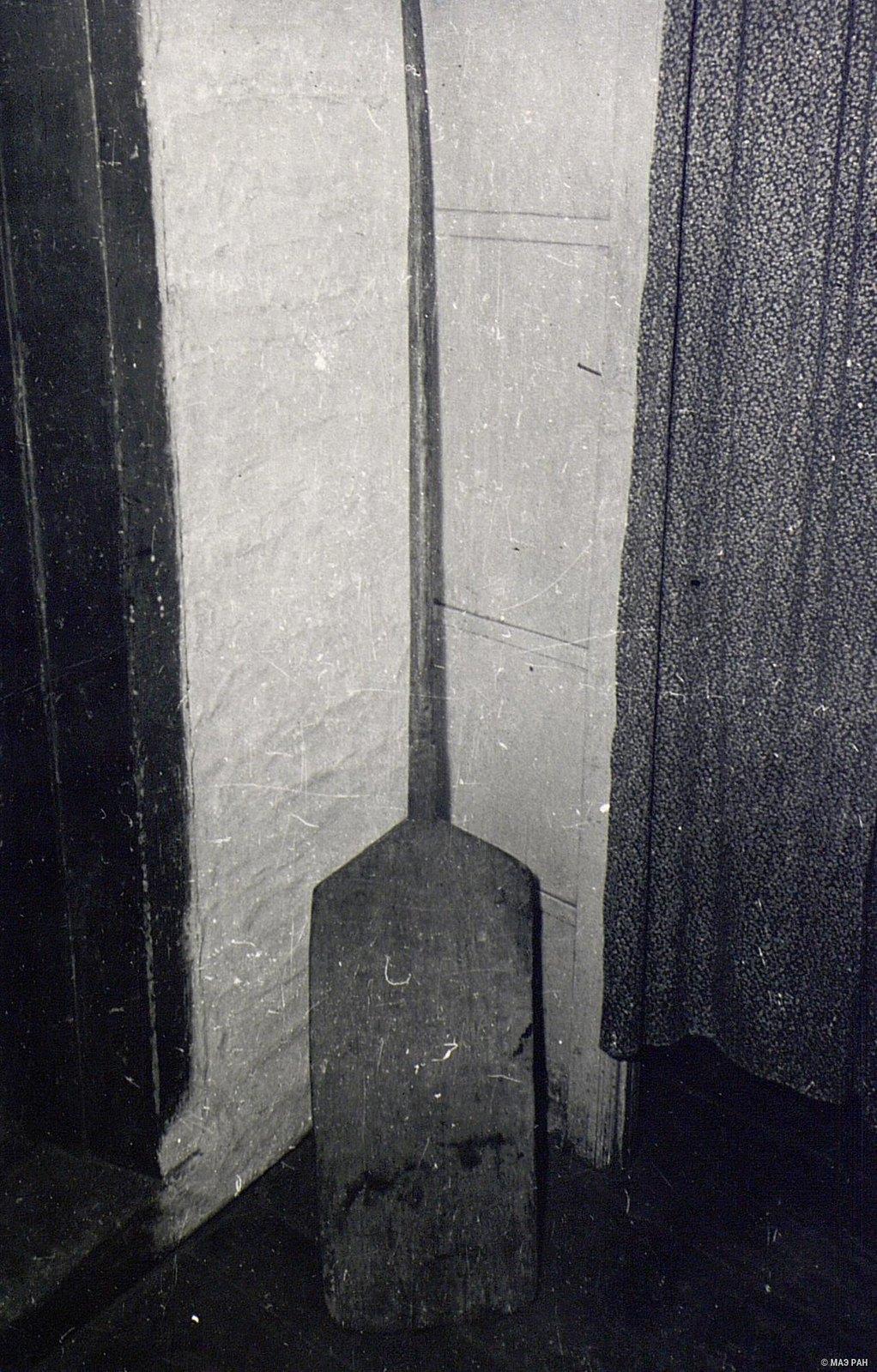 Деревянная лопата для веяния зерна
