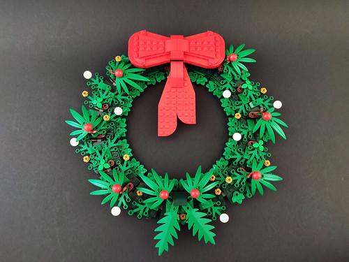 LEGO Seasonal Christmas Wreath (40426)