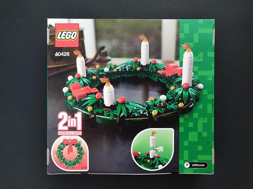LEGO Seasonal Christmas Wreath (40426)-2