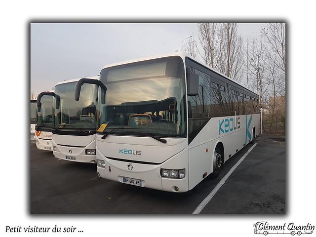 Invité surprise dans un car au Dépôt ... / Keolis Cars de Bordeaux