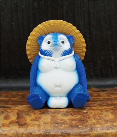 帶來好運的幸運之神~奇譚俱樂部「坐著的狸貓」轉蛋 福氣滿滿登場!