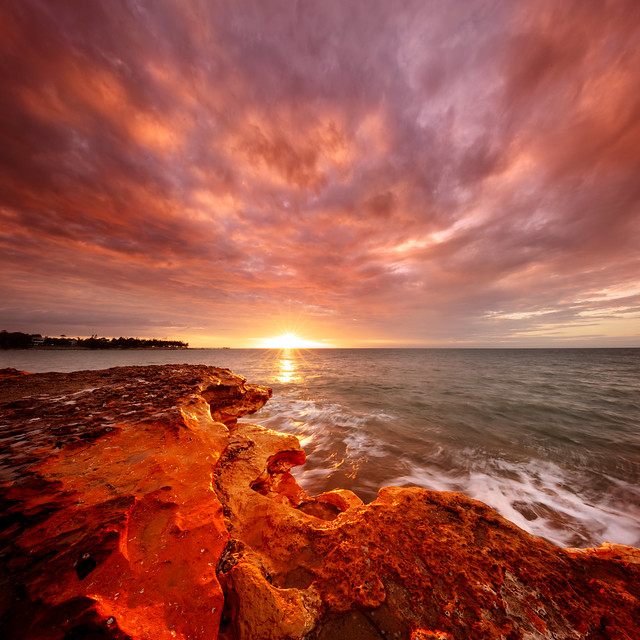 Nightcliff on fire 1