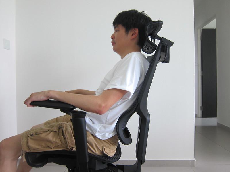 ErgoTune Supreme (2020) - Seated - Armrest Too Short