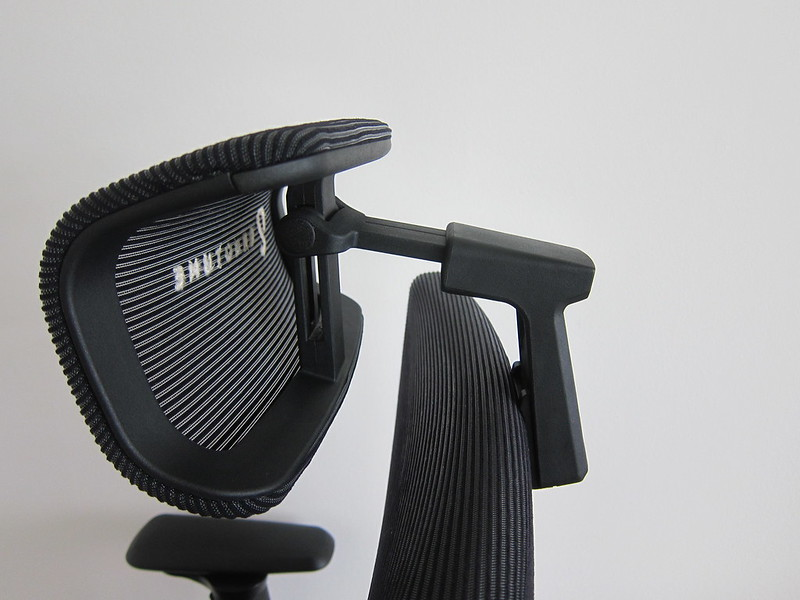 ErgoTune Supreme (2020) - Headrest
