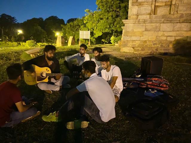 City Hangout - Love Song Crooners, Lodhi Garden
