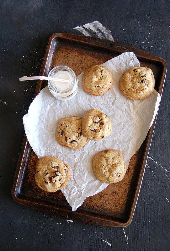 Cookies com gotas de chocolate e cranberries