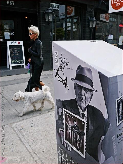 Leonard Cohen: ♫I am your Man♫.
