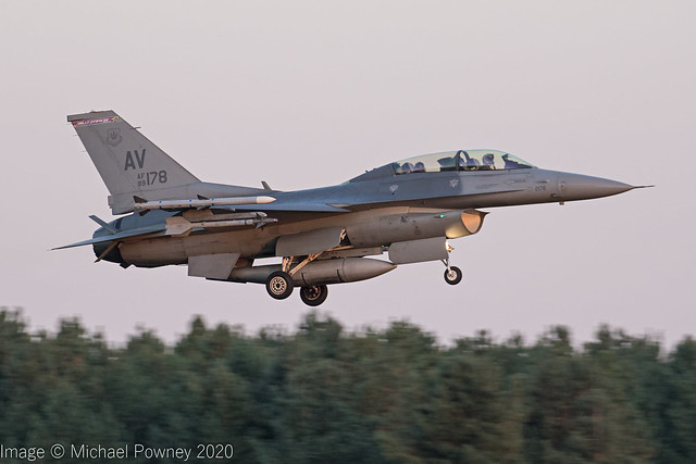 89-2178 - 1989 fiscal General Dynamics F-16DG Fighting Falcon, inbound to Lakenheath