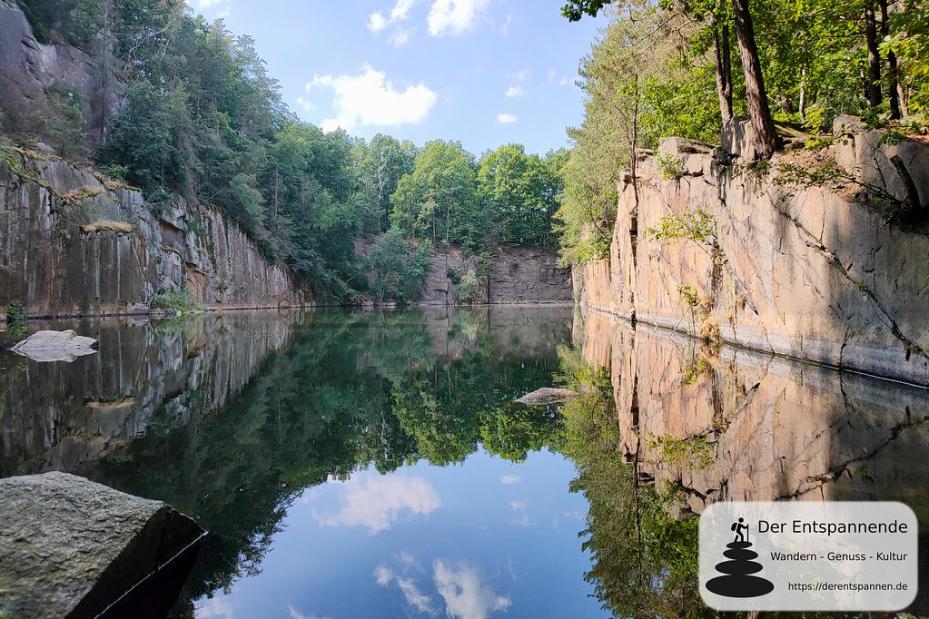 Hamannbruch: Alter Granit-Steinbruch bei Königshain