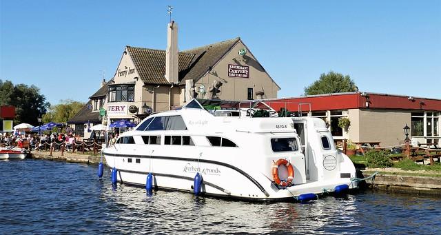 The Ferry Inn, Horning. Lumix DMC FZ1000. P1290167(2)