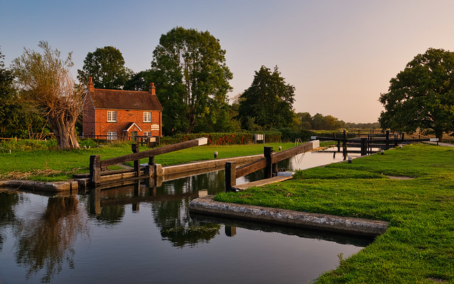Papercourt Lock and Cottage