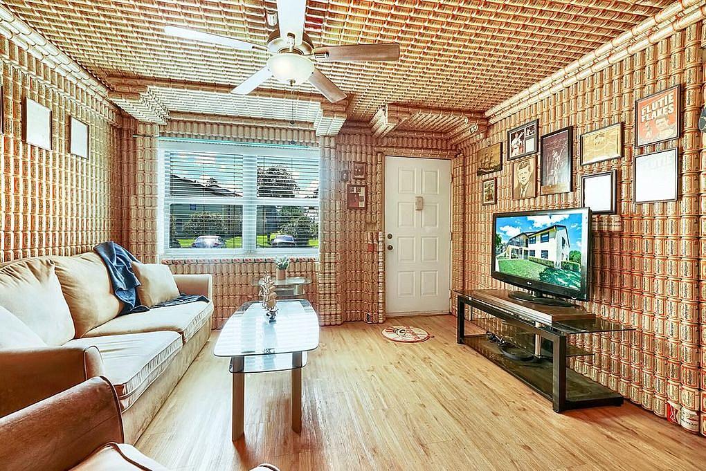 В США продают квартиру, отделанную банками Bud