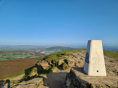 Sugar loaf summit and trig. (threejumps)