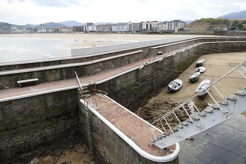 Gran marea baja en la playa de Zarautz 18-9-2020