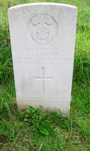 St Deiniol's Churchyard Hawarden War Grave 2