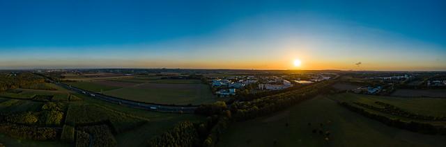Sonnenuntergang über der A4