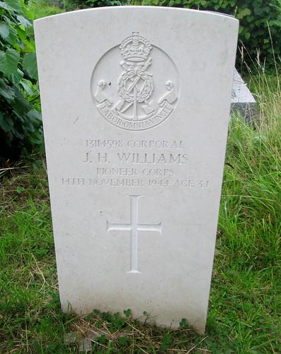 Hawarden War Grave, St Deiniol's Churchyard