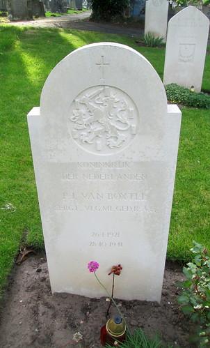 Hawarden, Dutch War Grave 10