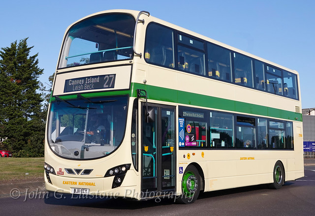 First Essex (Hadleigh) new Eastern National X10 heritage livery HH 37986, BJ11 ECY