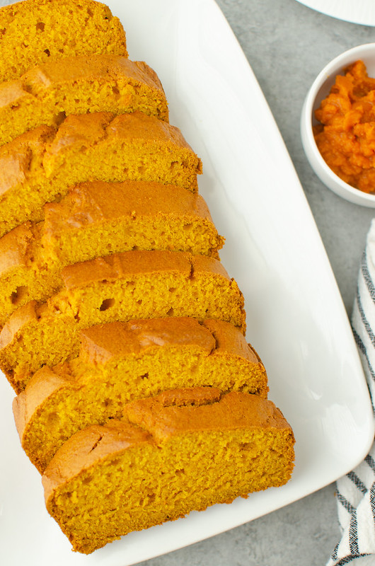 Pumpkin Beer Bread - the BEST pumpkin bread recipe! The beer helps it rise so it's super soft and fluffy. Plus it has the perfect amount of pumpkin and spice!