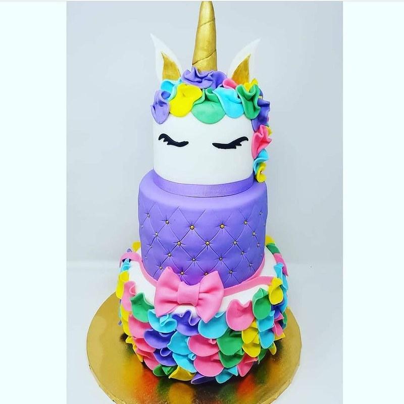 Cake by Tastee Tee's