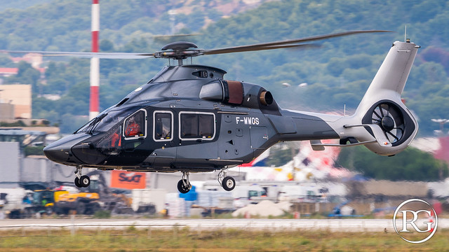 L'élégance au décollage de Marignane. H160-B s/n1003