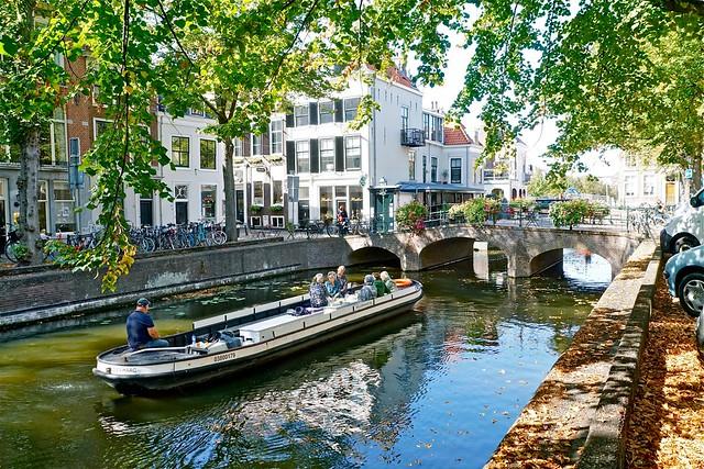 Willems-Vaart door Haagse grachten