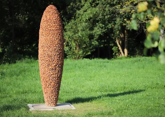 Skulpturenpark - Ziegelsteinskulptur von Reiner Seliger