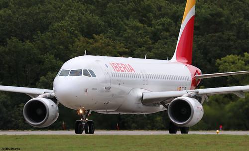 Iberia Airbus A320-214 EC-IZR